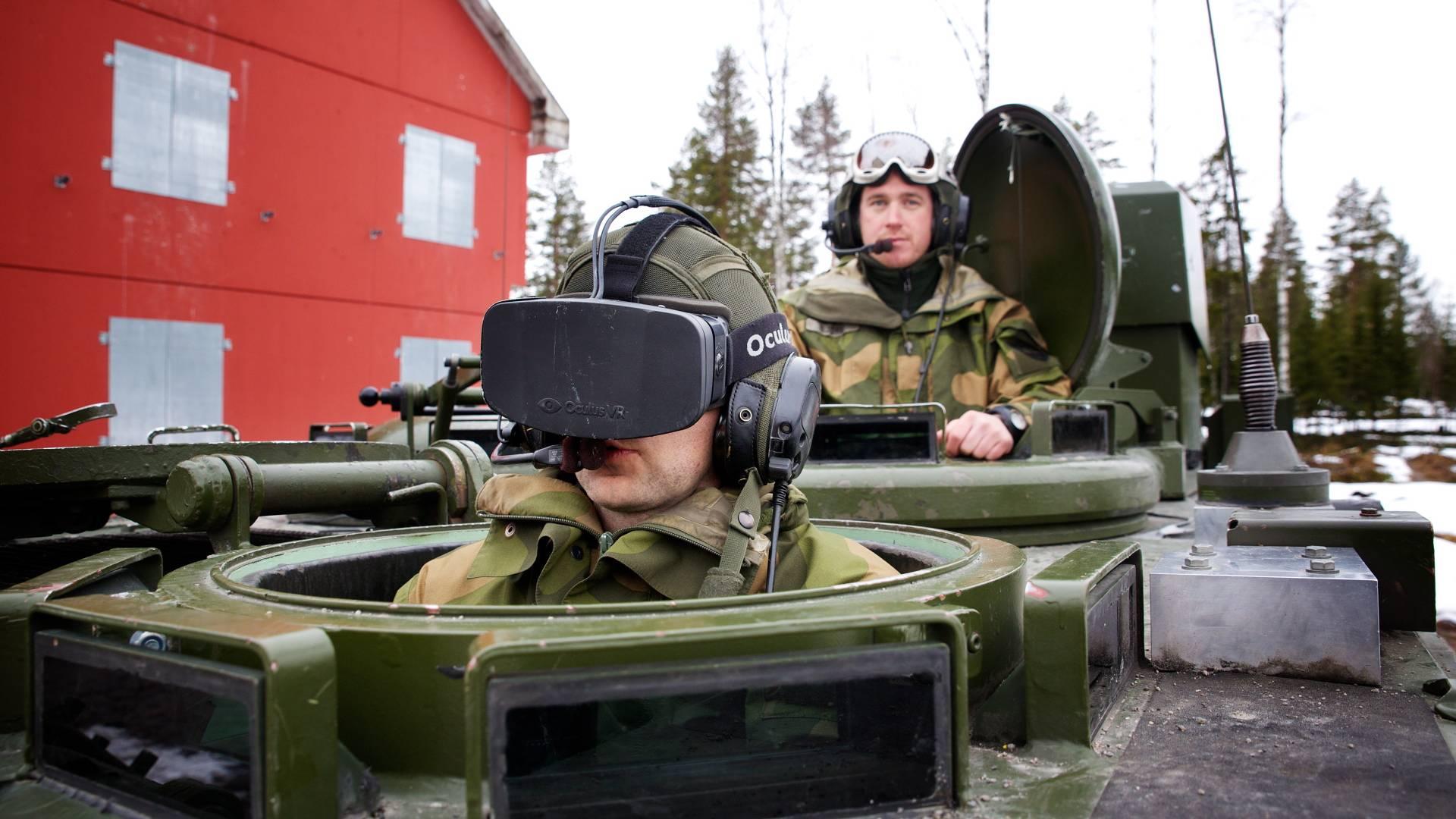 Echte Panzer unter der VR-Haube fahren